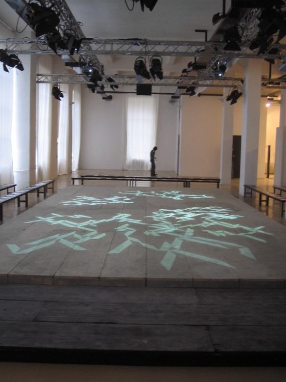 STEFANO FAKE fashion show abstract art intallation 2005_3