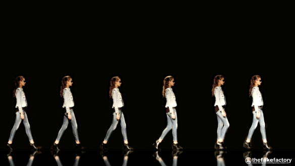 GUESS 3D HOLOGRAPHIC FASHION SHOW RUNAWAY 2014_05826