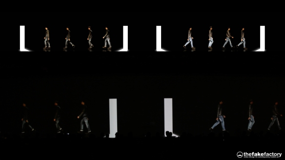 GUESS 3D HOLOGRAPHIC FASHION SHOW RUNAWAY 2014_06276