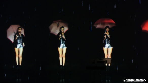 GUESS 3D HOLOGRAPHIC FASHION SHOW RUNAWAY 2014_07188