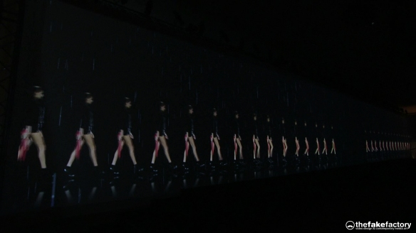 GUESS 3D HOLOGRAPHIC FASHION SHOW RUNAWAY 2014_07656