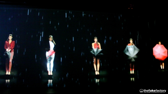 GUESS 3D HOLOGRAPHIC FASHION SHOW RUNAWAY 2014_08276