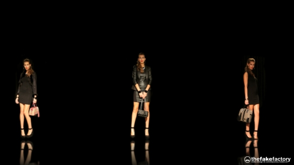 GUESS 3D HOLOGRAPHIC FASHION SHOW RUNAWAY 2014_10549