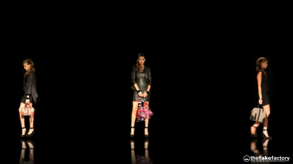 GUESS 3D HOLOGRAPHIC FASHION SHOW RUNAWAY 2014_10580