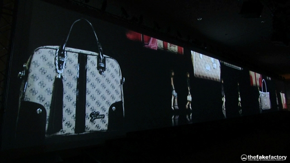GUESS 3D HOLOGRAPHIC FASHION SHOW RUNAWAY 2014_10687