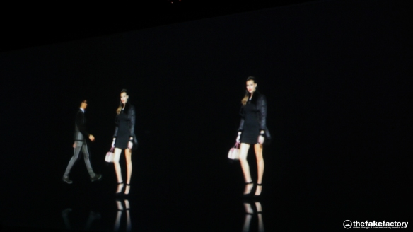 GUESS 3D HOLOGRAPHIC FASHION SHOW RUNAWAY 2014_11224