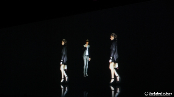 GUESS 3D HOLOGRAPHIC FASHION SHOW RUNAWAY 2014_11304