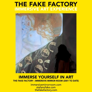 THE FAKE FACTORY immersive mirror room_01152
